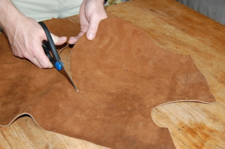 Cutting circles in leather